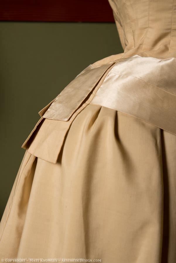 Bustle Detail
