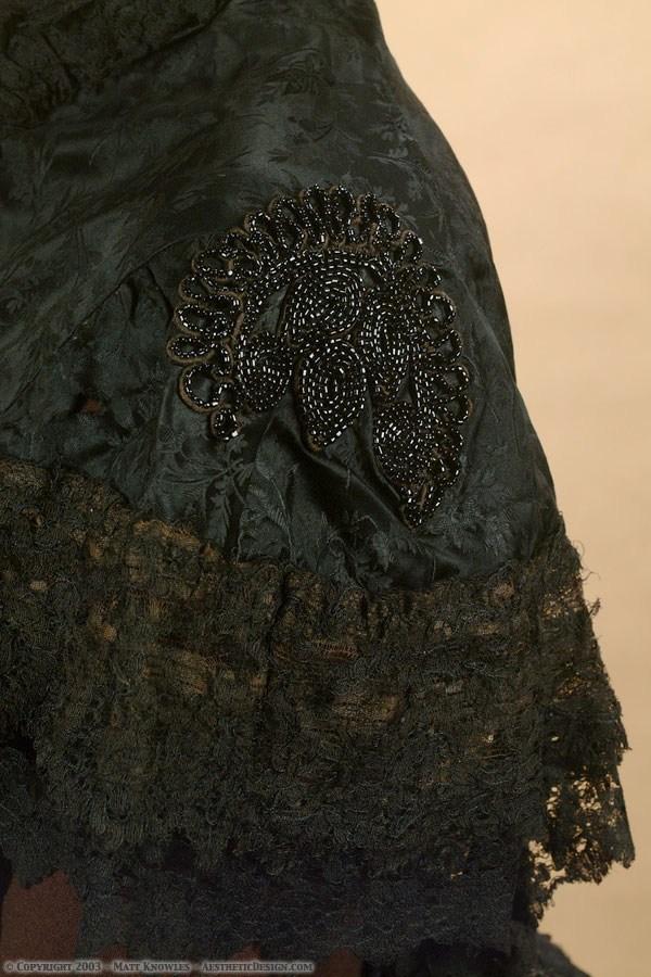 1880-black-silk-capelet-03