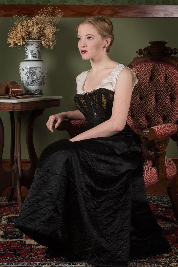 1880-black-quilted-petticoat-05