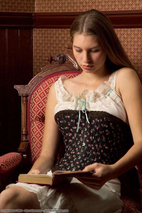 1890-black-cotton-corset-01