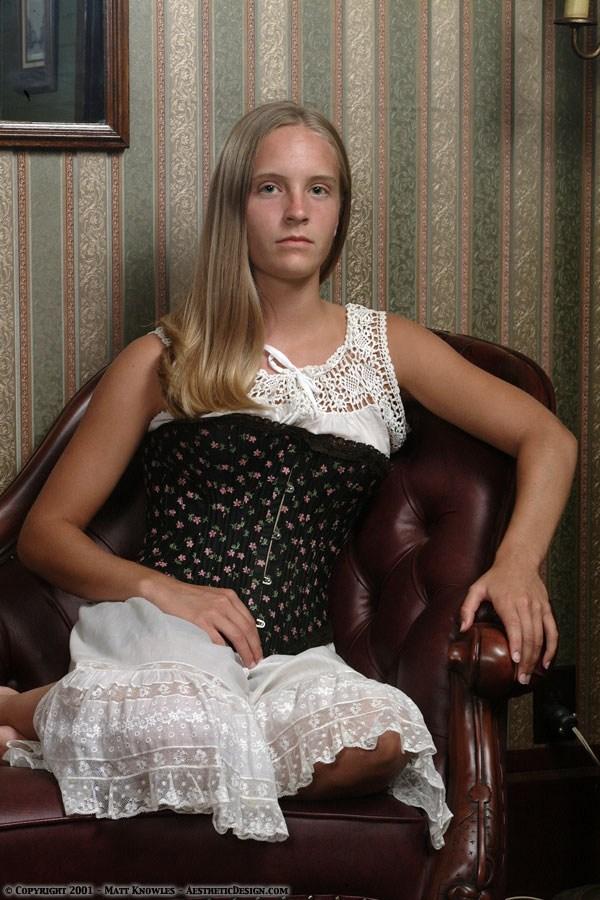 1890-black-cotton-corset-09