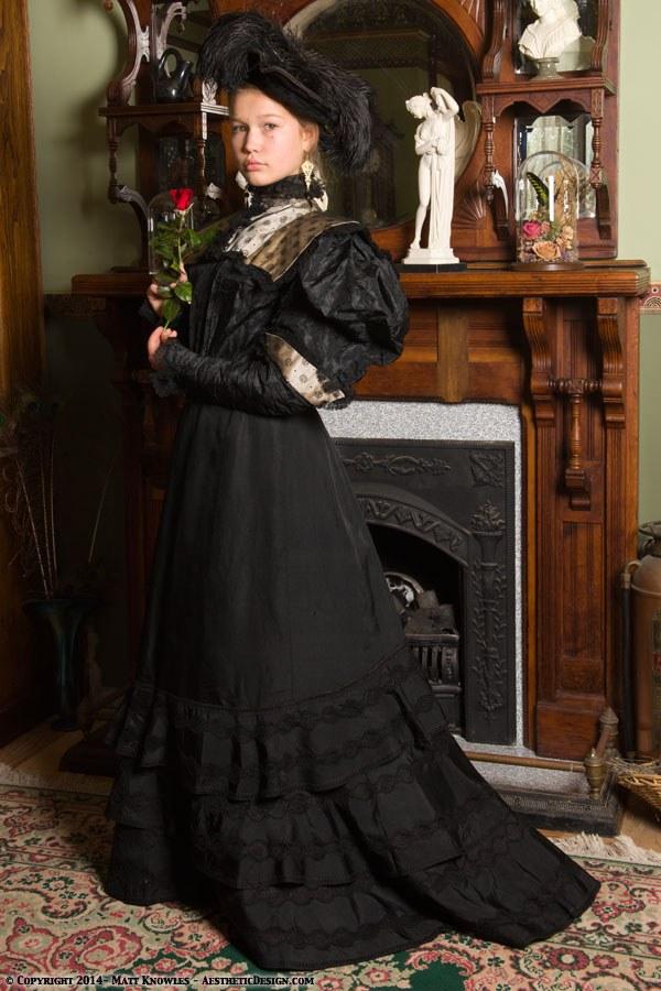 1890-black-silk-skirt-11