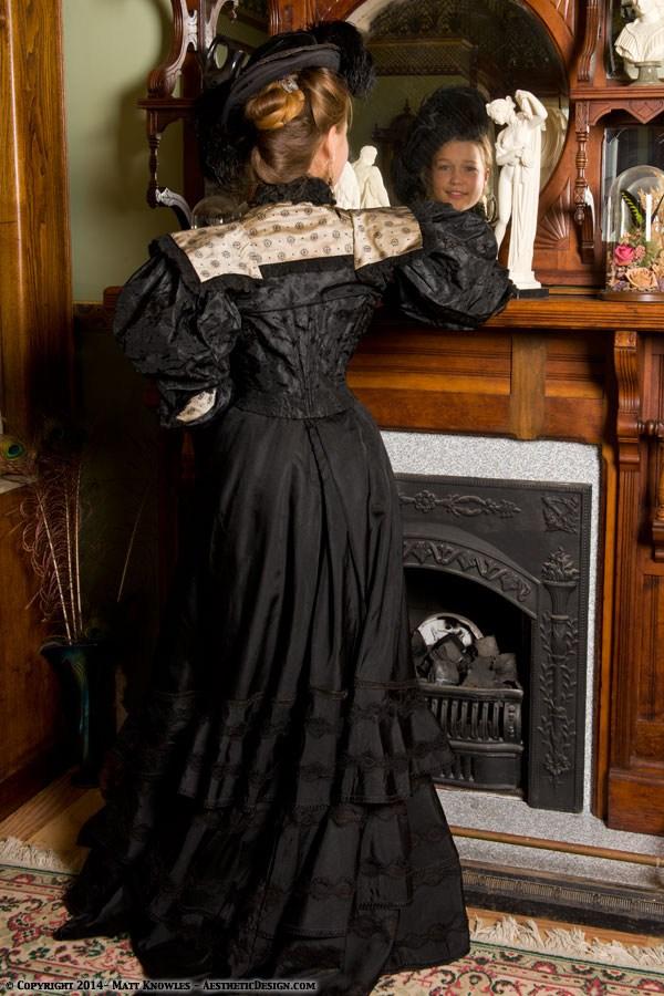 1890-black-silk-skirt-12
