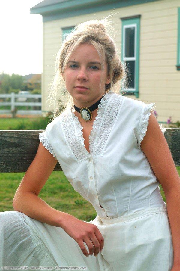 1890-white-cotton-corset-cover-20