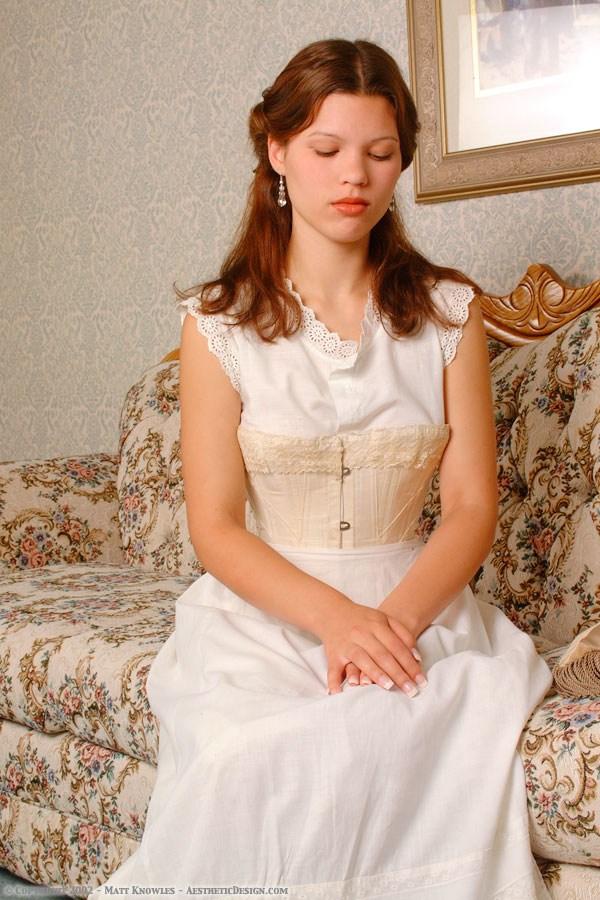 1890-white-cotton-petticoat-01