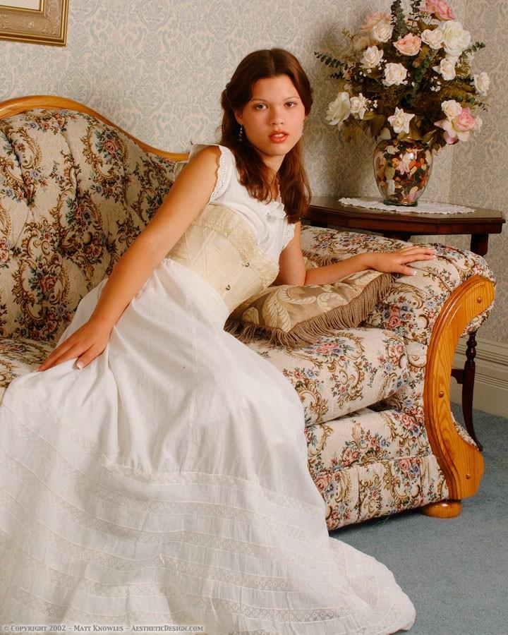 1890-white-cotton-petticoat-02